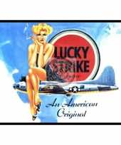 Metalen plaat van lucky strike trend