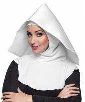 Nonnen hoofdkapje moeder overste trend