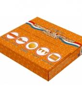 Oranje pakket met decoratie voor de straat trend