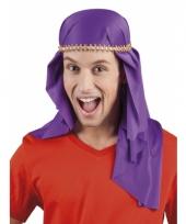 Paarse arabieren hoofddoek trend