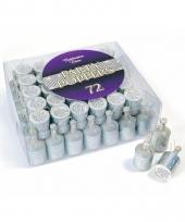 Party popper confetti in zilveren kleur trend