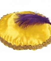 Pieten baret geel met paarse veer trend