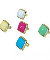 Pimp ring met gekleurde steen trend