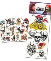 Piraten tattoos met kleur trend