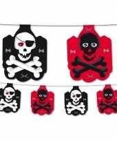 Piratenfeest vlaggenlijn zwart rood trend