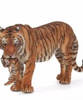 Plastic speelgoed tijgers met welpje 15 cm trend