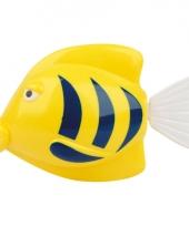 Plastic zwemmende vissen trend