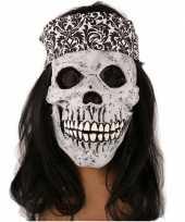 Rockers schedel met lang haar trend