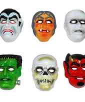 Rode duivels masker plastic trend