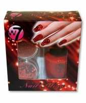 Rooden nagels pakket met glitter trend