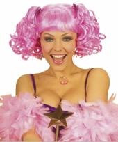Roze damespruik met staartjes voor trend