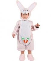 Roze konijnenpakje voor een baby trend