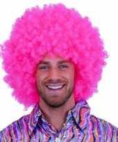 Roze krulletjes pruik neon trend 10108555