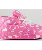 Roze pantoffels love voor meisjes trend