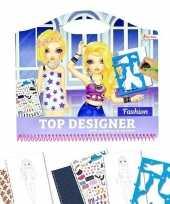 Schetsboek kleding ontwerpen met stickers en sjablonen trend