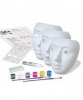 Schilder setje voor glow in the dark maskers trend