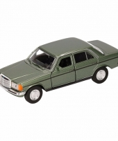 Speelgoed groene mercedes benz w123 16 cm trend