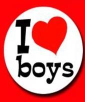 Speld buttons met funny tekst i love boys trend