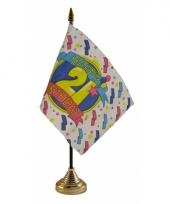 Tafelvlaggetje happy birthday 21 met standaard trend