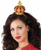 Tiara met een kroon trend