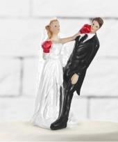 Trouwfiguurtje boksend bruidspaar trend