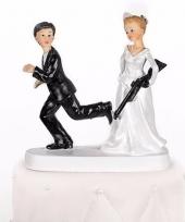 Trouwfiguurtje bruid met geweer 13 cm trend