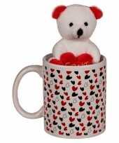 Valentijnscadeau beker met knuffelbeer trend