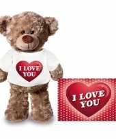 Valentijnskaart en knuffelbeer 24 cm met i love you hartje shirt trend
