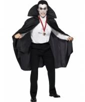 Vampier cape met opstaande kraag trend