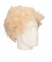 Voordelige blonde krullenpruik voor volwassenen trend