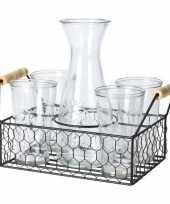 Water karaf met 4 glazen in mandje trend