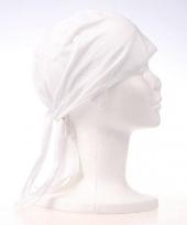 Wit kleurige bandana trend